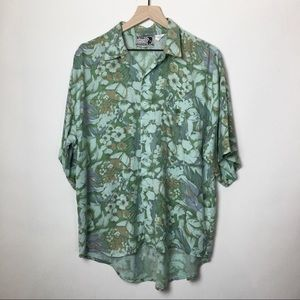 In Private 90s Vintage Floral Button up Shirt